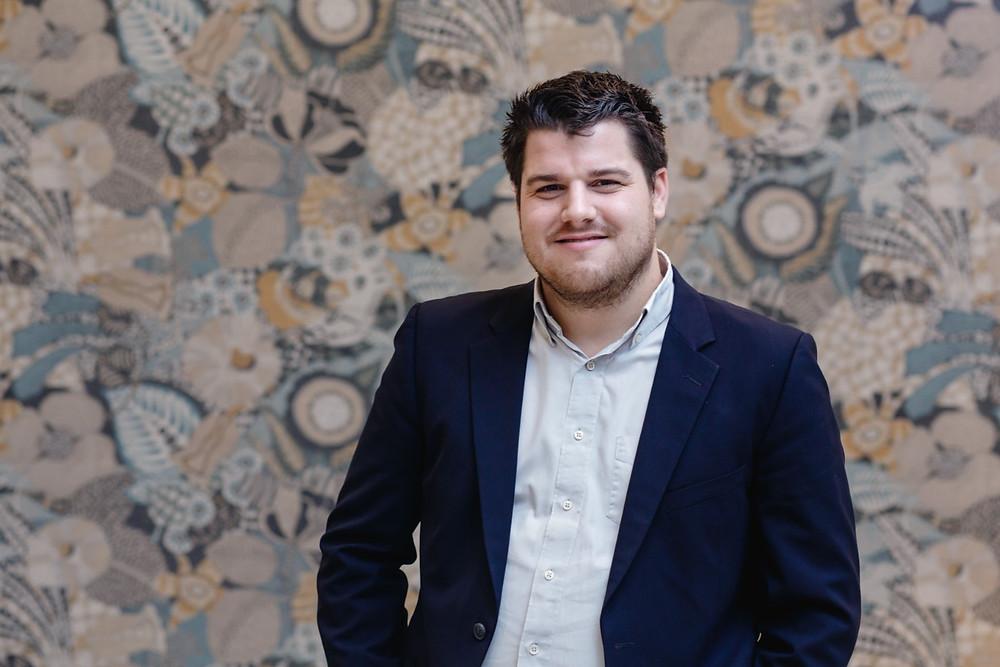 Julien Launay Gérant de SAMO, cuisiniste et spécialiste de l'aménagement intérieur sur-mesure à Angers en Maine et Loire