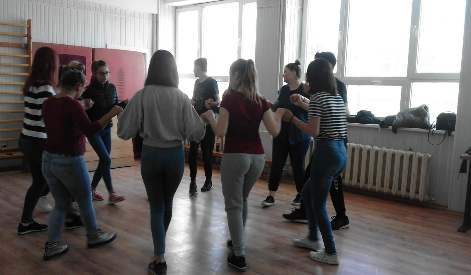 Dansuri 6.jpg
