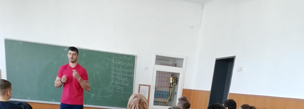 Nascut in Romania 2.jpg