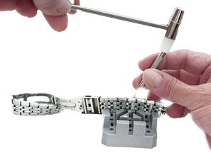 watch-bracelet-link-adjustment_edited.pn