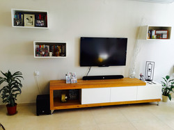How to accessorise a tv wall