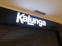 Letra_Caixa_-_Acrilico_com_iluminação_led_-_Kalunga.jpg