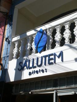 Letra Caixa com Logo - Aço pintado - letra pintada - Sallutem 1.jpg