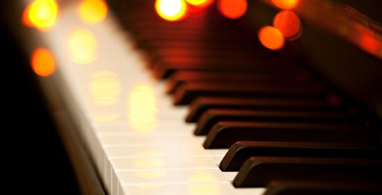 holiday-piano-549x280