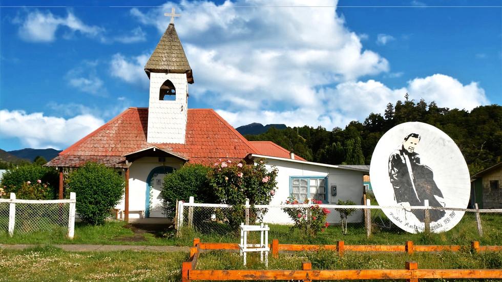 A cute church at Puerto Río Tranquilo