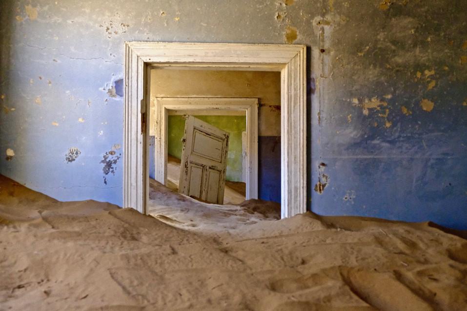 The abandoned diamant town 'Kolmanskop' a.k.a 'Ghostown'.