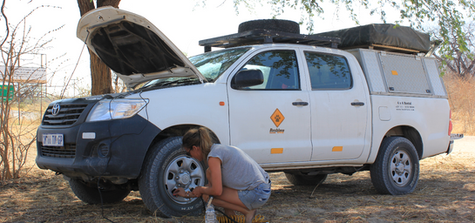 Deflate our tires after our offroad trip from Maun to Kasane.