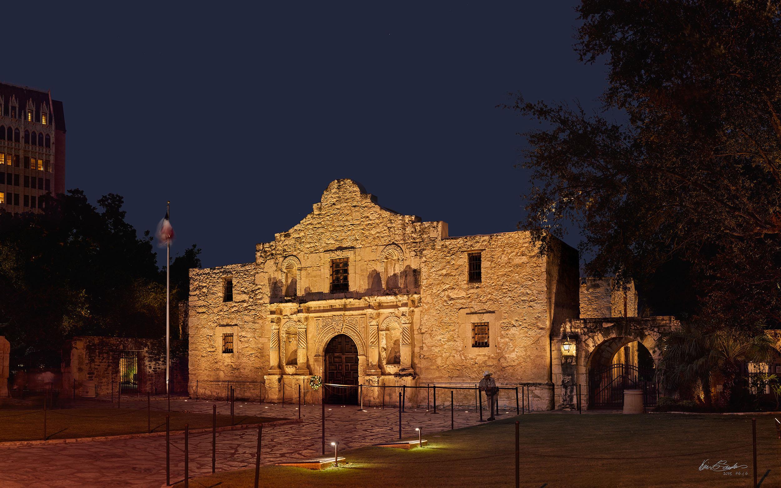 Alamo 280 x 176 Inches