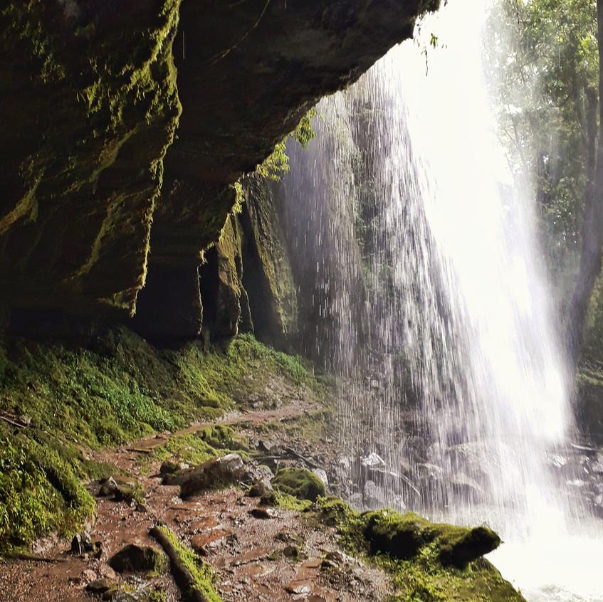 Wasserfall auf dem Weg zum Yumbilla