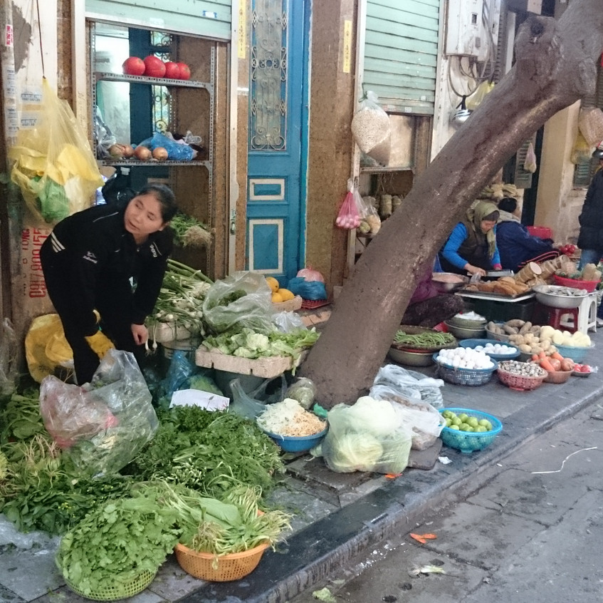 Verkäuferinnen am Straßenrand