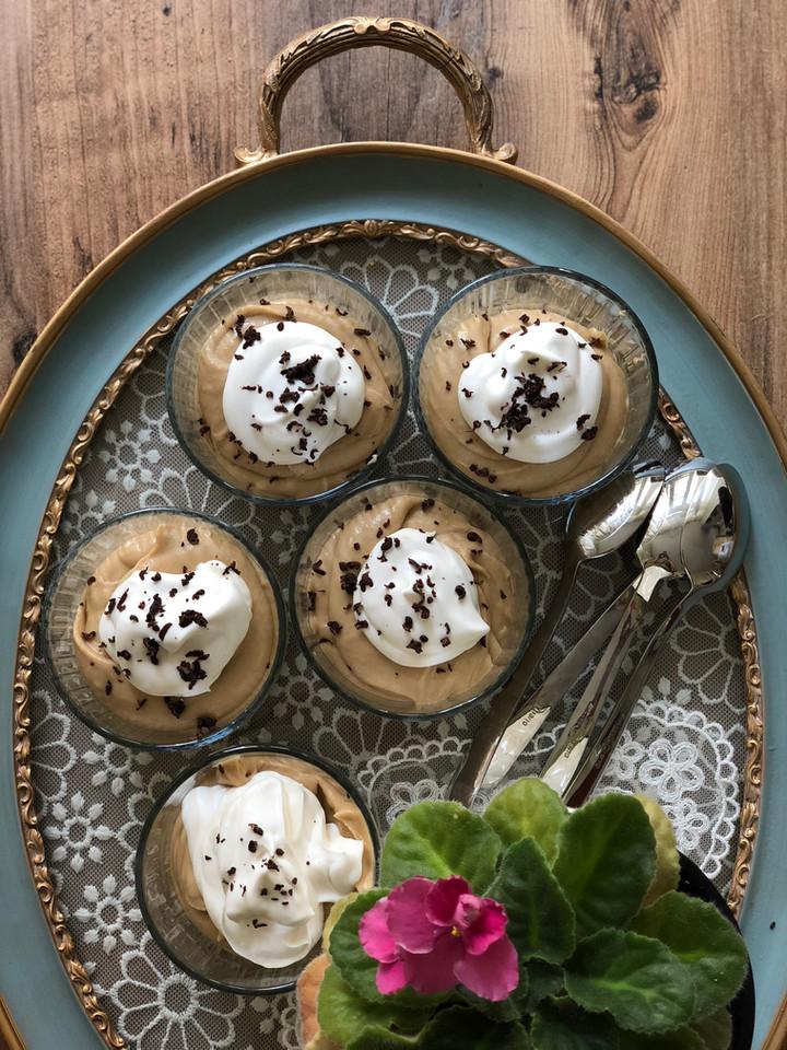 Kahveli Beyaz Çikolatalı Mus