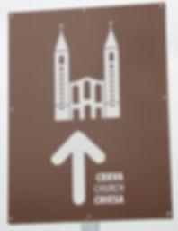 EgliseMedPanneau.JPG