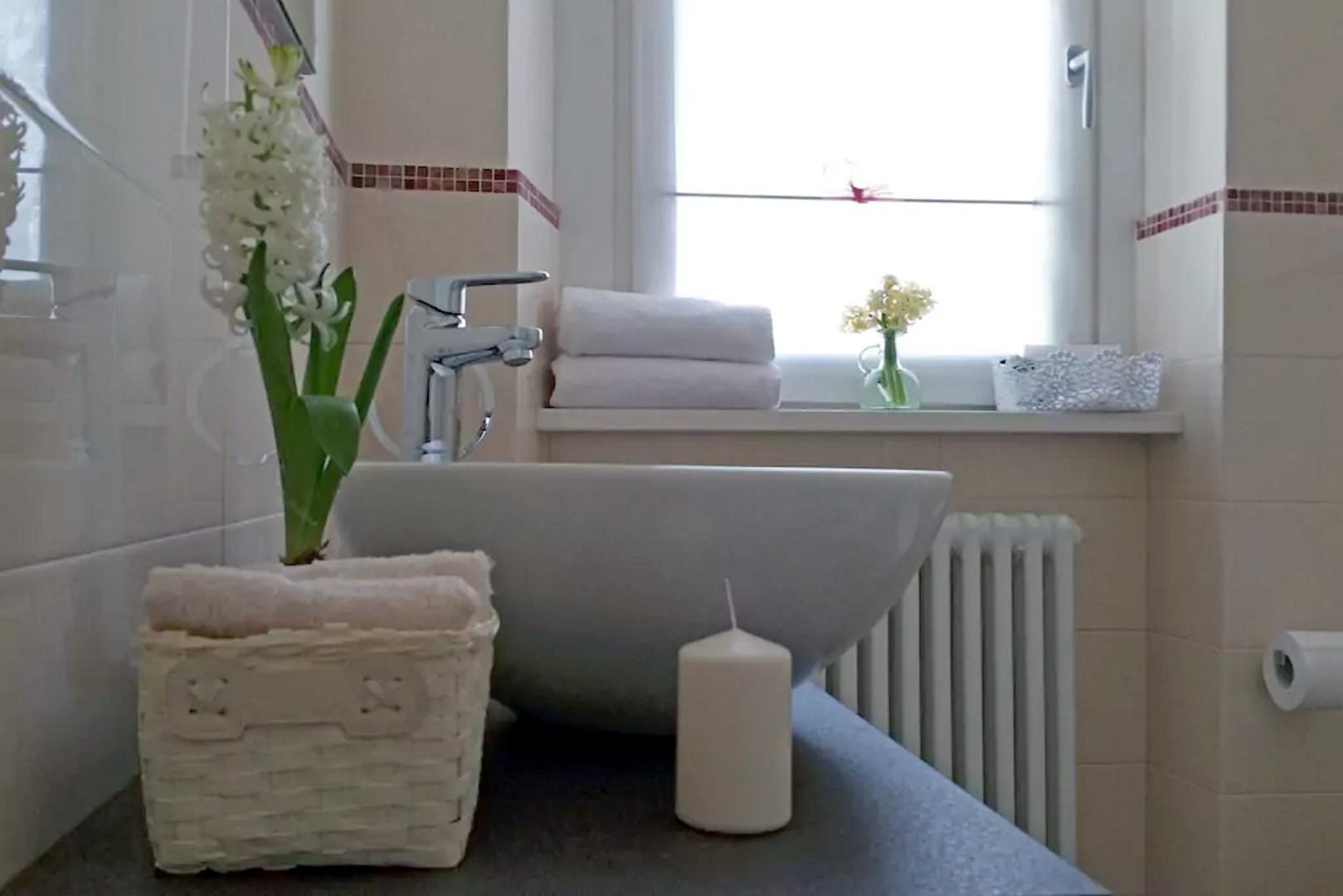 Tulip-Interior4.jpg