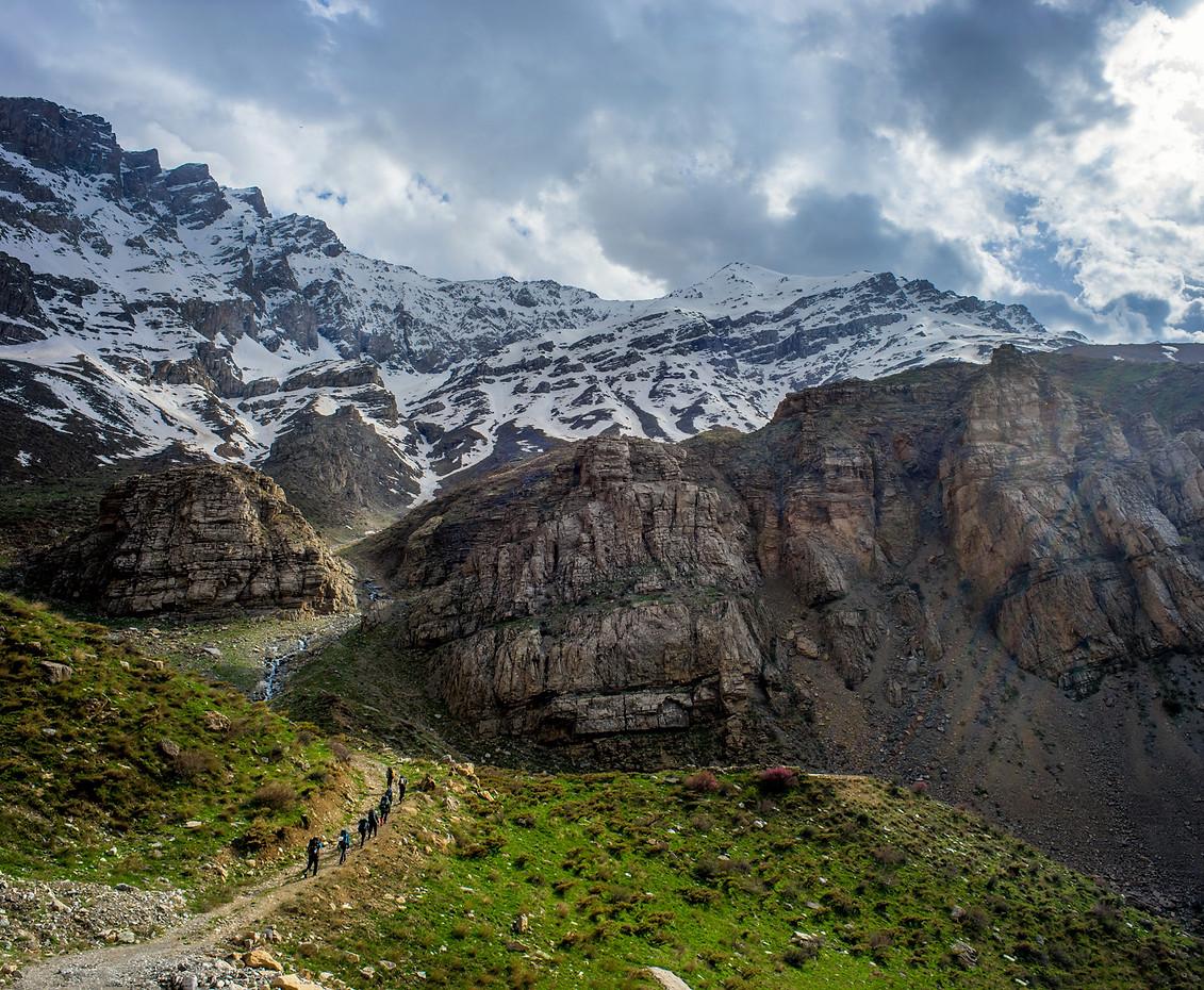 trek towards Sakran ridge.jpg