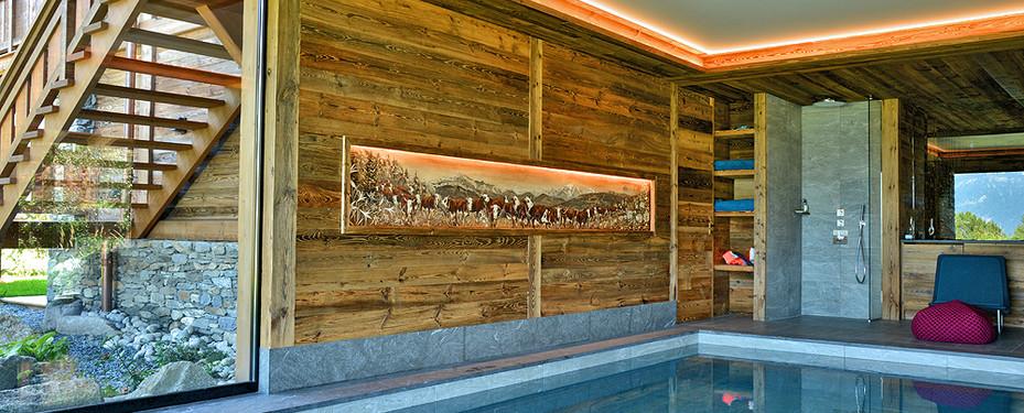 Décoration poya dans piscine chalet à Combloux