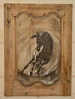 Chandra : la lune. Peinture cheval sur bois.