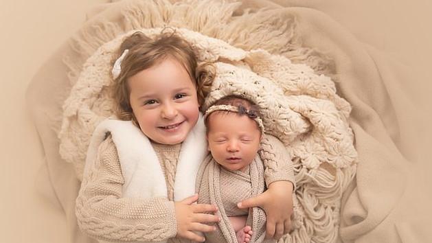A baba, aki most 27 éves, és csak 18 hónappal fiatalabb az édesanyjánál