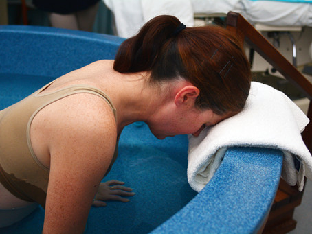 Vízben vagy szárazon? – vízben szülni is biztonságos