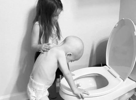 Egy szívszorítóan kedves fotó hátuljára – a gyermekrákról