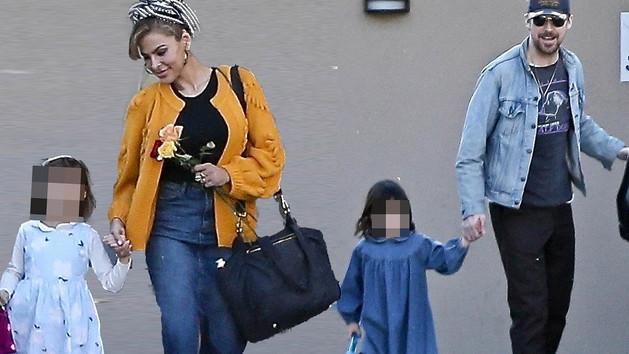 Tévúton jár a világhírű színésznő a gyerekek és nők verése ügyében?