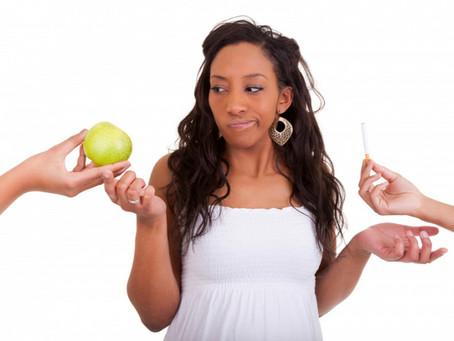 Tiltólista várandósoknak – 5 + 4 étel, amit inkább ne fogyassz!