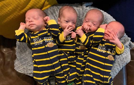 Járvány idején született négy egyforma babánk
