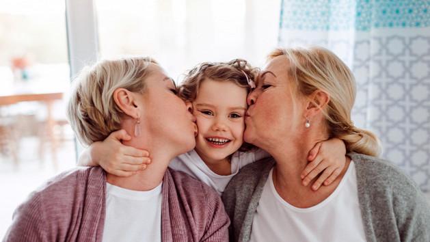 Nagyszülői puszi – csak engedéllyel