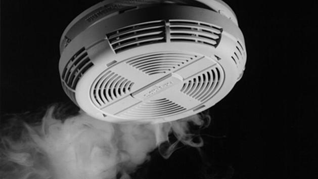 Milyen hangon szólaljon meg a füstjelző?