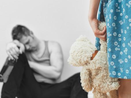 Lelkileg sérült kisgyerekből alkesz, öngyilkos felnőtt – törvényszerű?