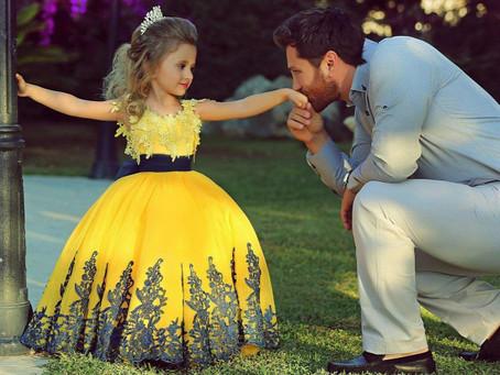 Apa az, aki megjavítja az összetört kislányszívet