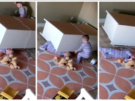 A bútor nem mászóka és nem babaház - újra a gyermekbalesetekről