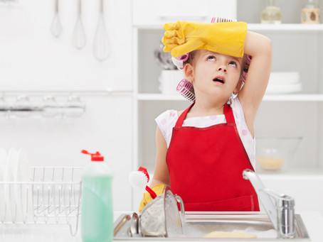 Milyen házimunkát KELL végeznie a gyereknek?