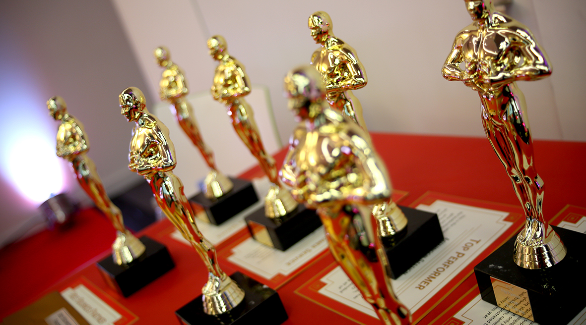 Oscar Award Figures Ready to Hand Out
