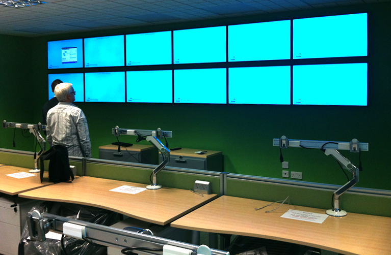 Multiple Screen Wall Installation at American Express Brighton Offices