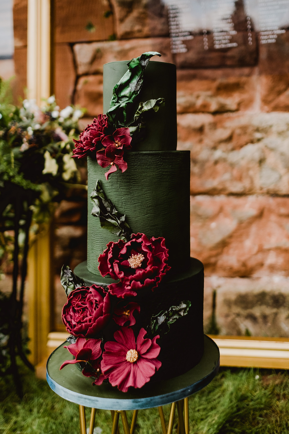 Gothic wedding cake. Castle wedding. Medieval castle wedding.