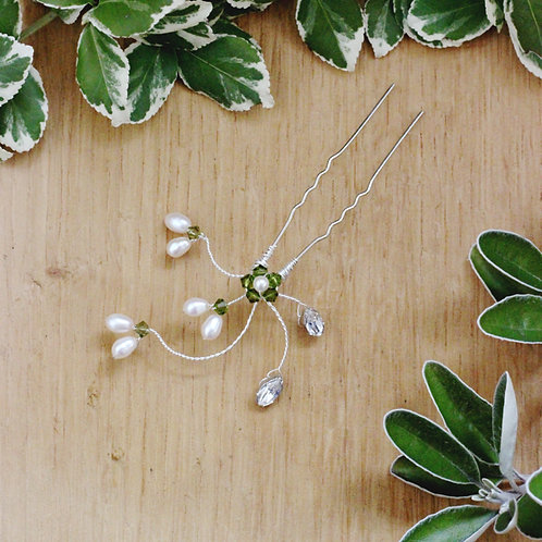 Pearl and Crystal Botanical Bridal Hair Accessory