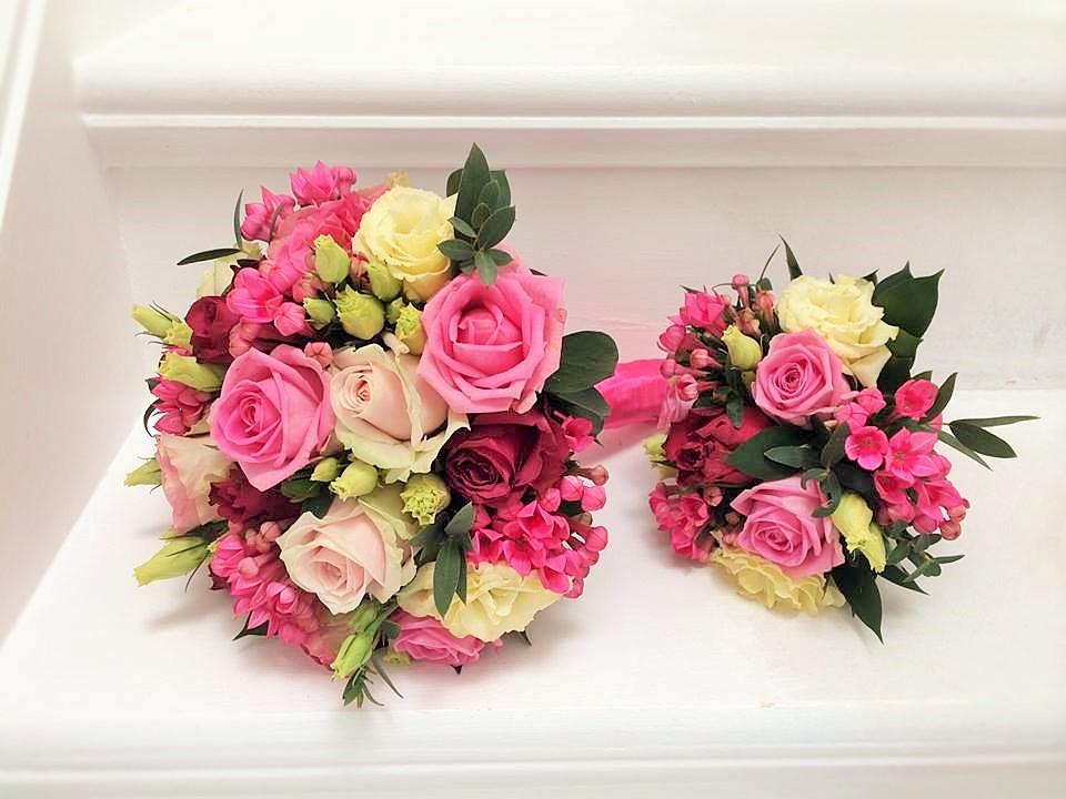 Bridesmaid Handtied Bouquets