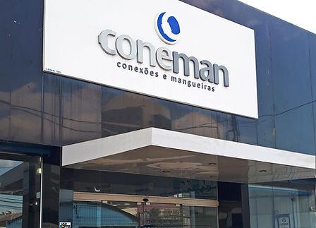 Fachada Coneman