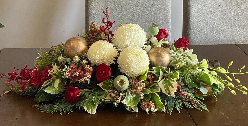 Florist choice Xmas table centrepiece