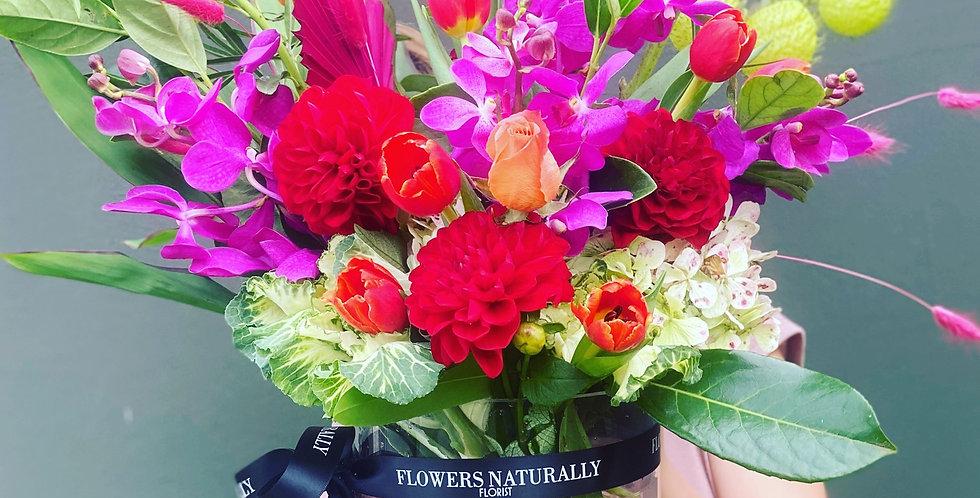 Deluxe bright vase