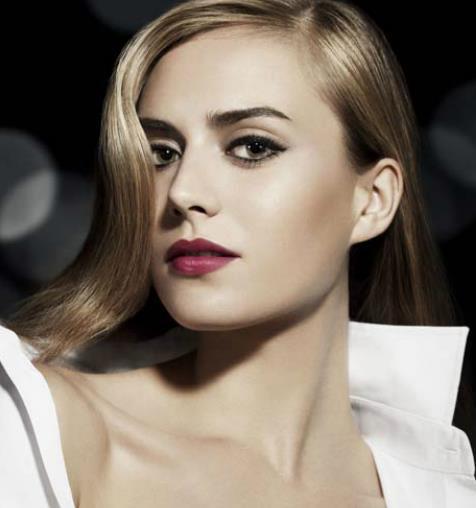 4 reasons why women wear makeup.png