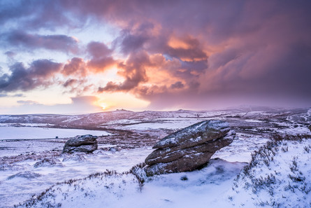 Snowy sunrise over Chinkwell Tor