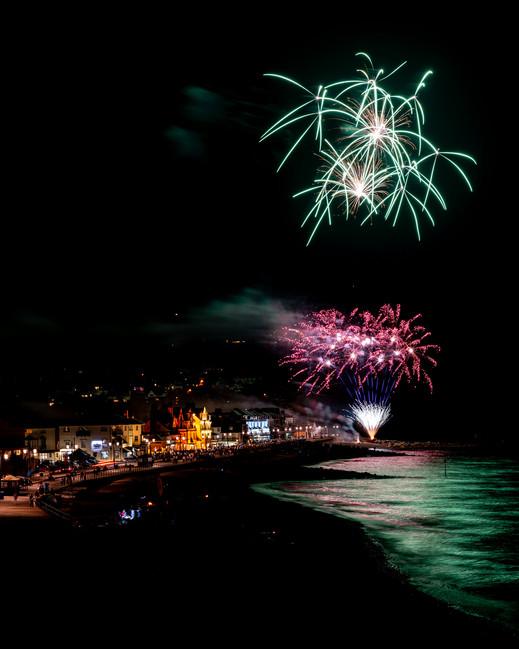 AR32146 Fireworks over Sidmouth Beach