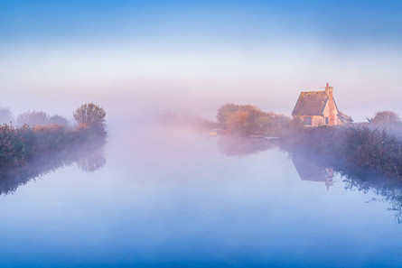 November mists at the Lock Keepers' Cottage