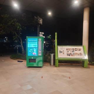 Gojek Vending Machine.jpeg