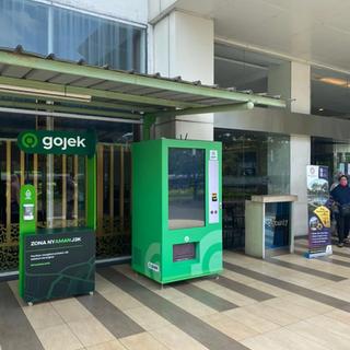 Gojek Vending Machine.webp