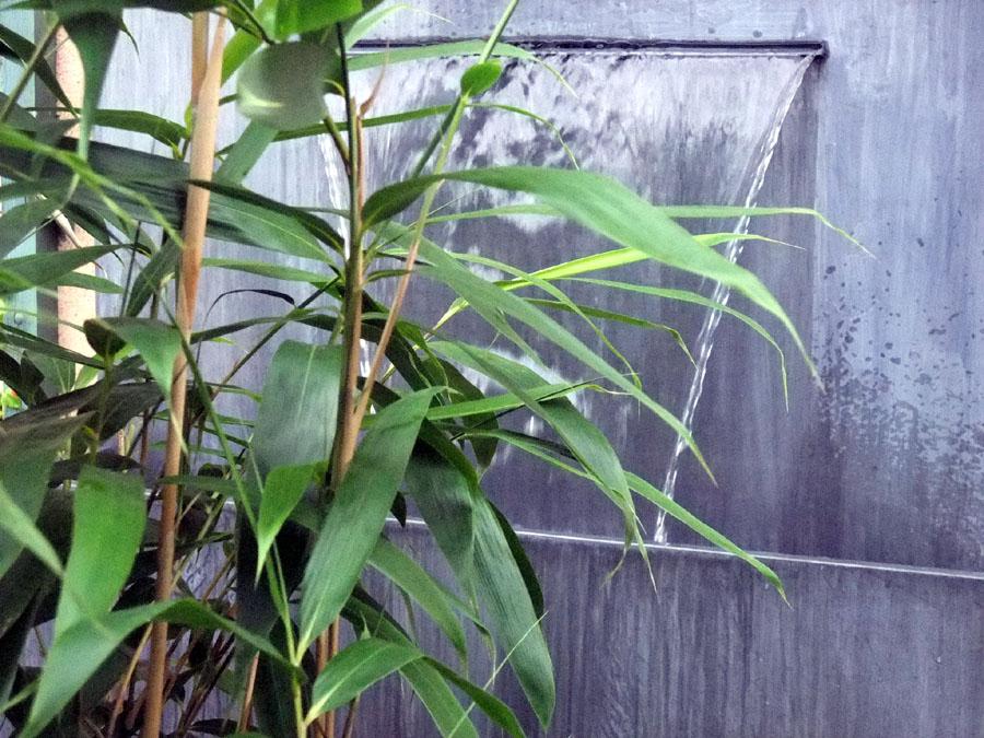 Fontaine Zinc dans les bambous