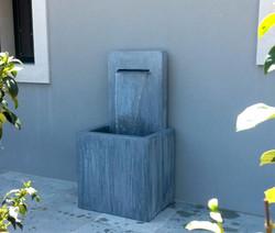 Fontaine zinc à dos