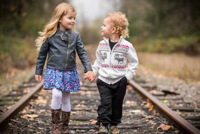 Oni & Espen holding hands-5.jpg