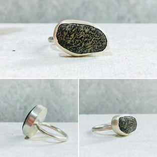 PEBBLE RING WITH SMALL DARK GREY MOTTLED STONE   £55 + p&p